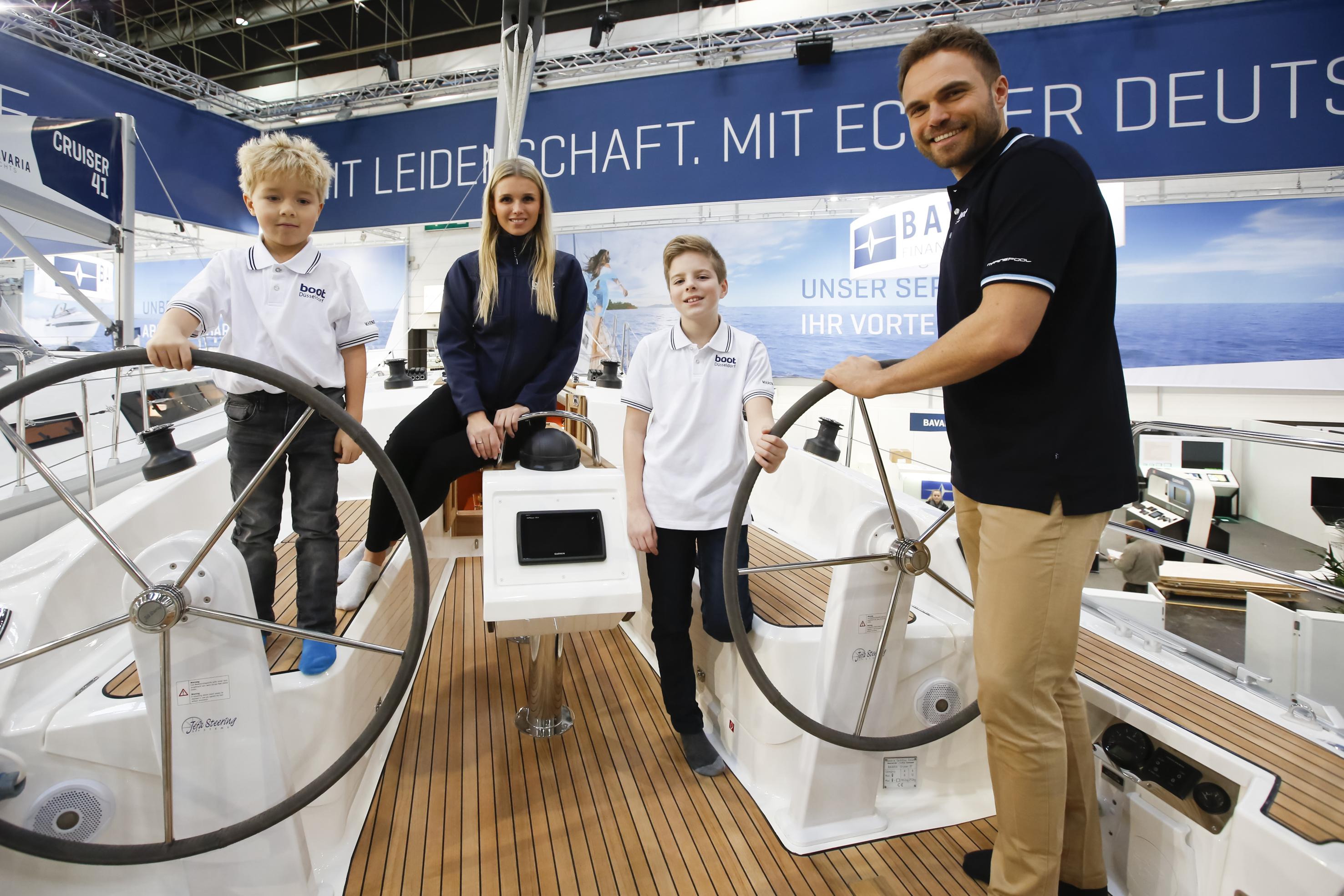 На яхті Bavaria 37 комфортно розмістяться шість чоловік
