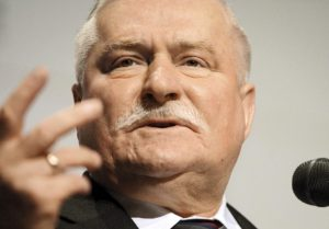 Co-founder of ?Solidarity? union, a pro-democracy movement, and former president of Poland Lech Walesa delivers a speech, during the conference entitled ?Solidarity and the Fall of Communism? in Gdansk, Poland, 04 June 2009. European leaders and anti-communist icons gathered in Poland on 04 June to mark the 20th anniversary of Poland?s first partly-free election since World War II. EPA/JACEK TURCZYK +++(c) dpa - Report+++