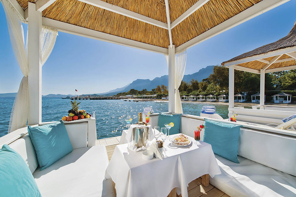 Розкіш і море в готелі Avantgarde Hotel & Resort