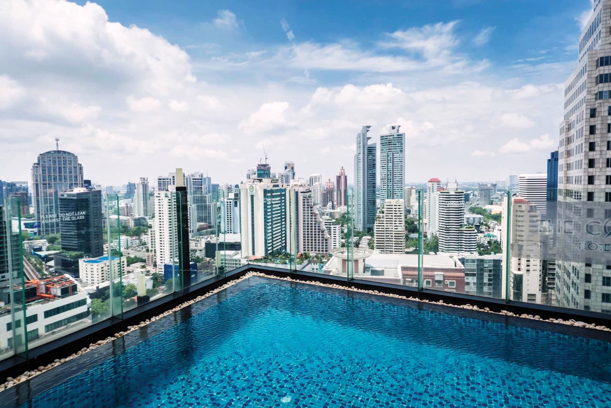Вид на місто з Continent Hotel у Бангкоку