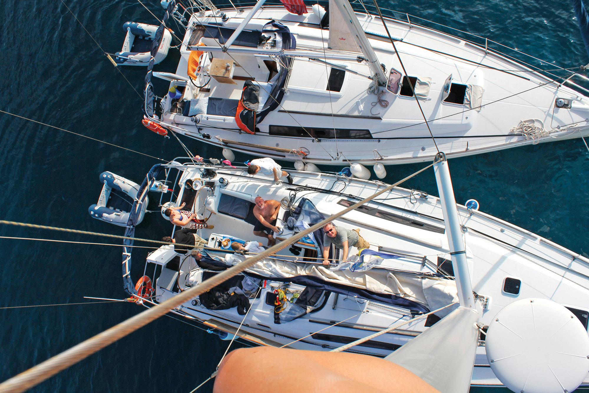Яхти з висоти 8 метрів